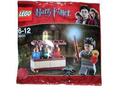 2011 NEW//RETIRED LEGO HARRY POTTER THE LAB SET #30111 W// 34 Pcs /& Harry Potter