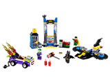 10753 LEGO Juniors DC Comics Super Heroes The Joker Batcave Attack