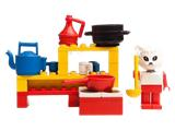 3795 LEGO Fabuland Catherine Cat in her Kitchen