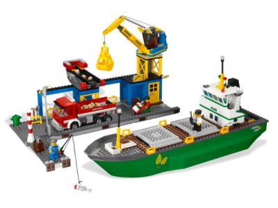 "64 Pcs LEGO 4642 ""Fishing Boat"" CITY Retired /& Complete! 2011"