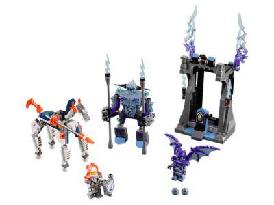 LEGO Nexo Knights 70352 Jestro/'s Headquarters 840 Pieces SEALED Big Large Set