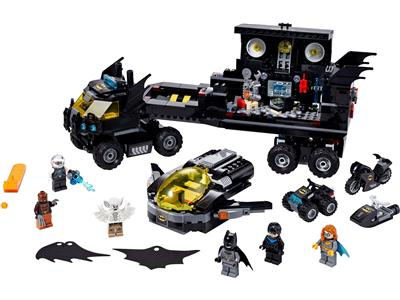 76160 LEGO Batman Mobile Bat Base