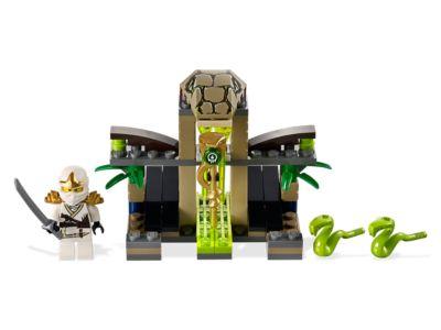 LEGO 9440 Ninjago Rise of the Snakes Venomari Shrine ...